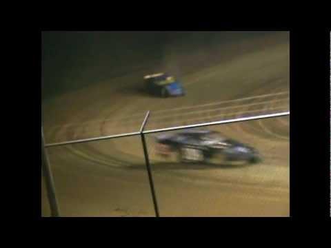 Muskingum County Speedway   Modified Heat   video   Date 200?