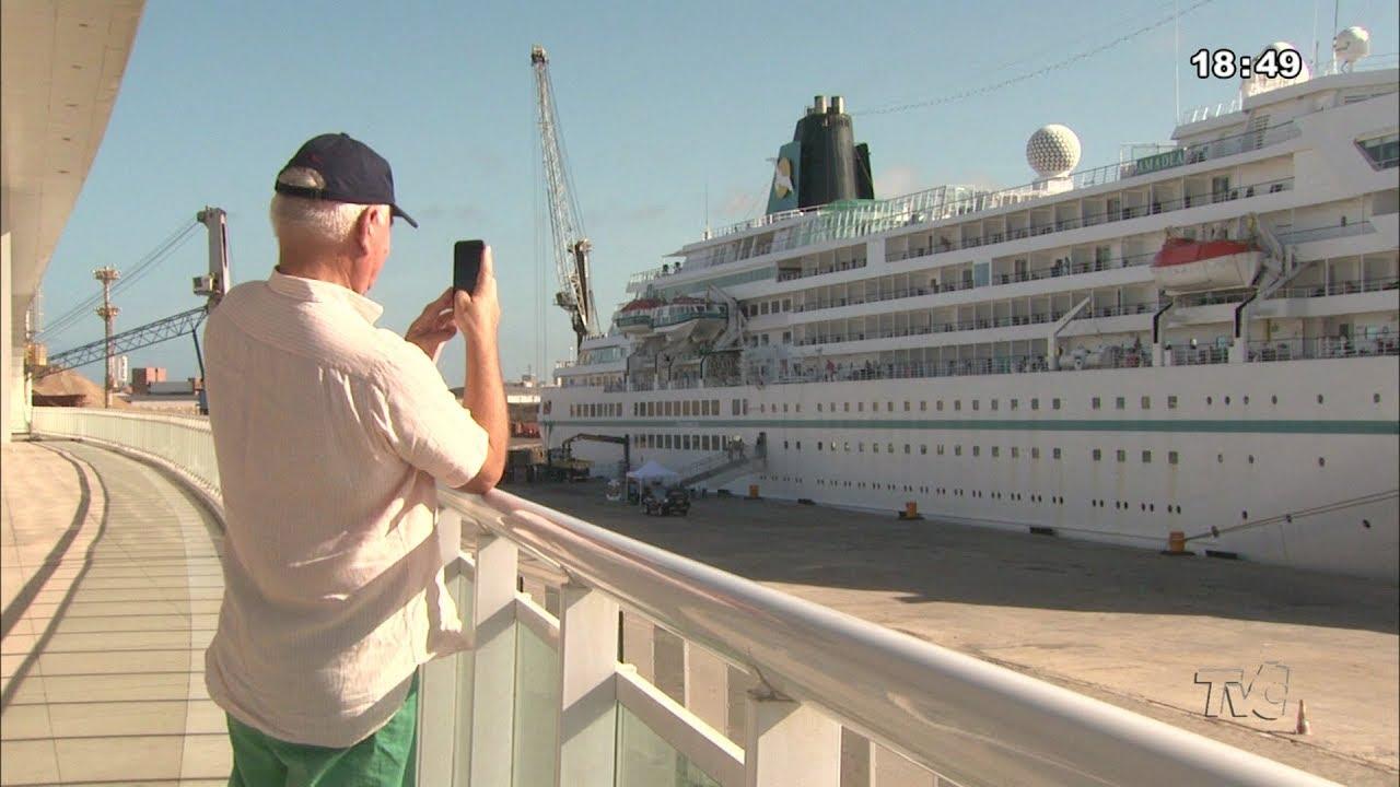 VÍDEO: Navio alemão abre temporada de cruzeiros 2020 em Fortaleza