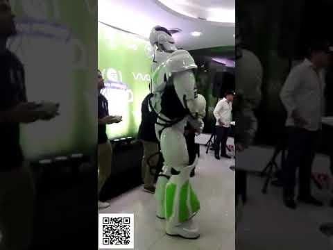 Dancing Robot...