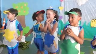 Castelinho da Piraquara - Teatro Qual é a cor do amor? - Maternal II 2015