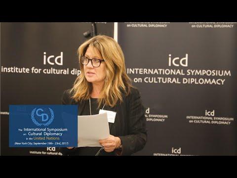 Xenia Hanusiak (Global Cultural Fellow, University of Edinburgh)