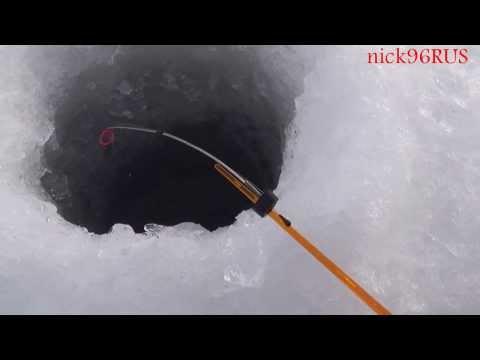 зимняя рыбалка на плотву - 2014-01-03 03:06:47