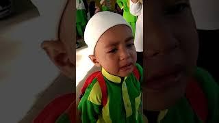Budak menangis ibu pergi kerja