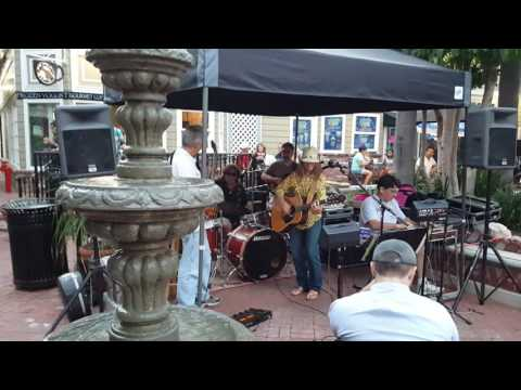 Live Music in Catalina