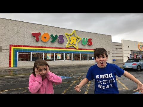 LIVE Stream @ Toys R Us With Kids