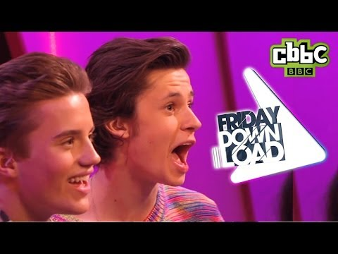 Frozen Love is an Open Door funny lip-sync | CBBC Friday Download