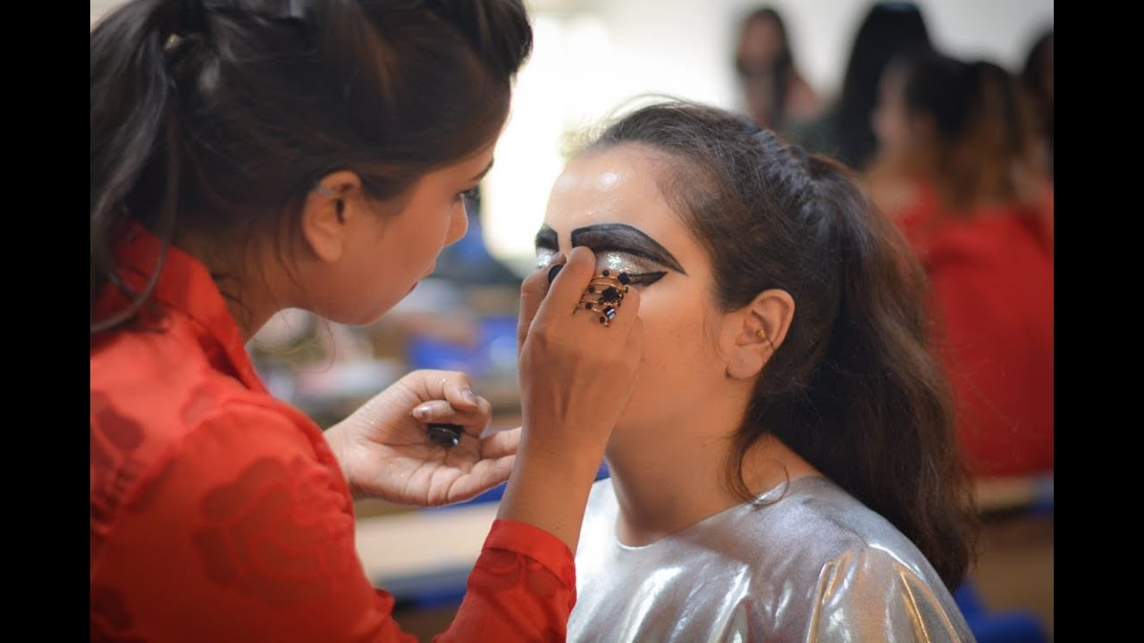 Lakme Makeup Course | Saubhaya Makeup