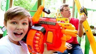 Бластеры Нерф против Десептиконов! - Трансформеры в видео игре для мальчиков