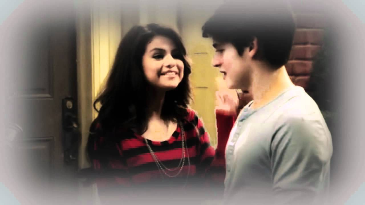 wizards of waverly place meet the werewolves watch series