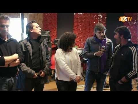 No estúdio dos Xutos & Pontapes