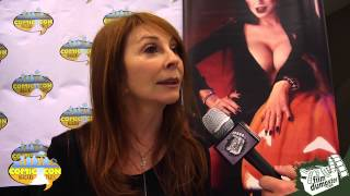 2015 Niagara Falls Comic Con - Interview with Elvira : Mistress of the Dark