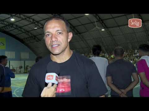 Público lota ginásio para mais uma edição do Jogo Solidário em Quixeramobim