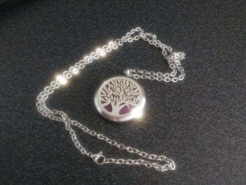 review---gouraml-aromatherapy-essential-oil-diffuser-necklace-pendant-locket