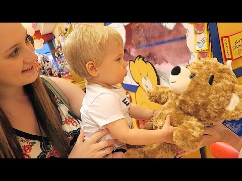 OLLIE'S FIRST BUILD-A-BEAR!