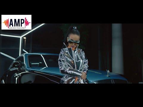 Смотреть клип Rina - Ilegal