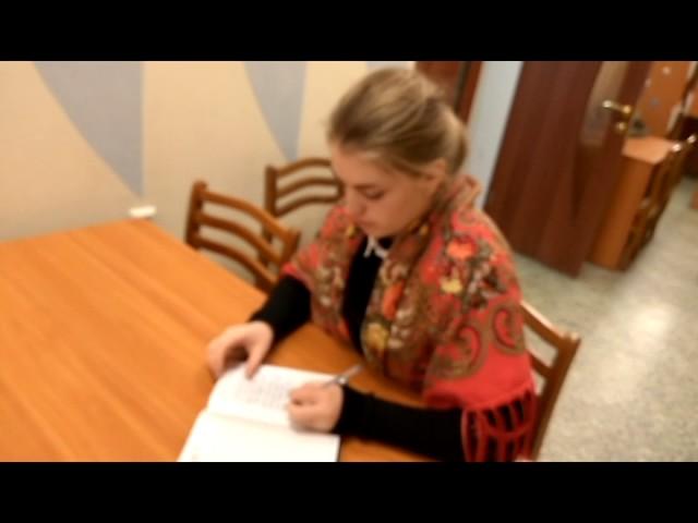 Изображение предпросмотра прочтения – МарияГорбунова читает отрывок изпроизведения «Письмо Татьяны к Онегину» А.С.Пушкина