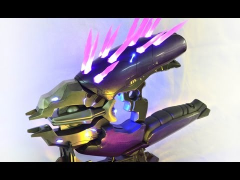 Watch a master propmaker build Halo's Needler gun out of resin and lights