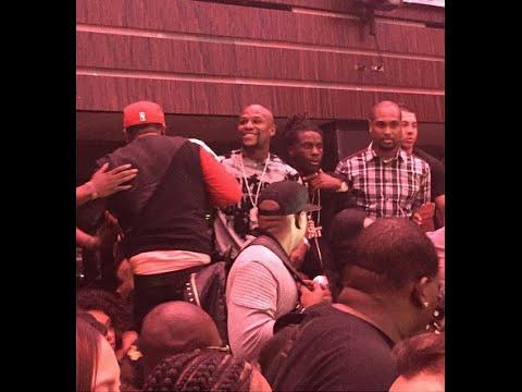 How Floyd Mayweather Enters Club LIV on a Sunday Night