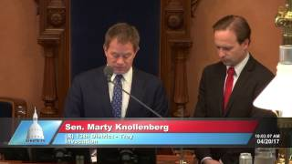 Sen. Knollenberg delivers invocation at the Michigan Senate