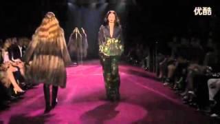 gucci fashion show very hot sexy