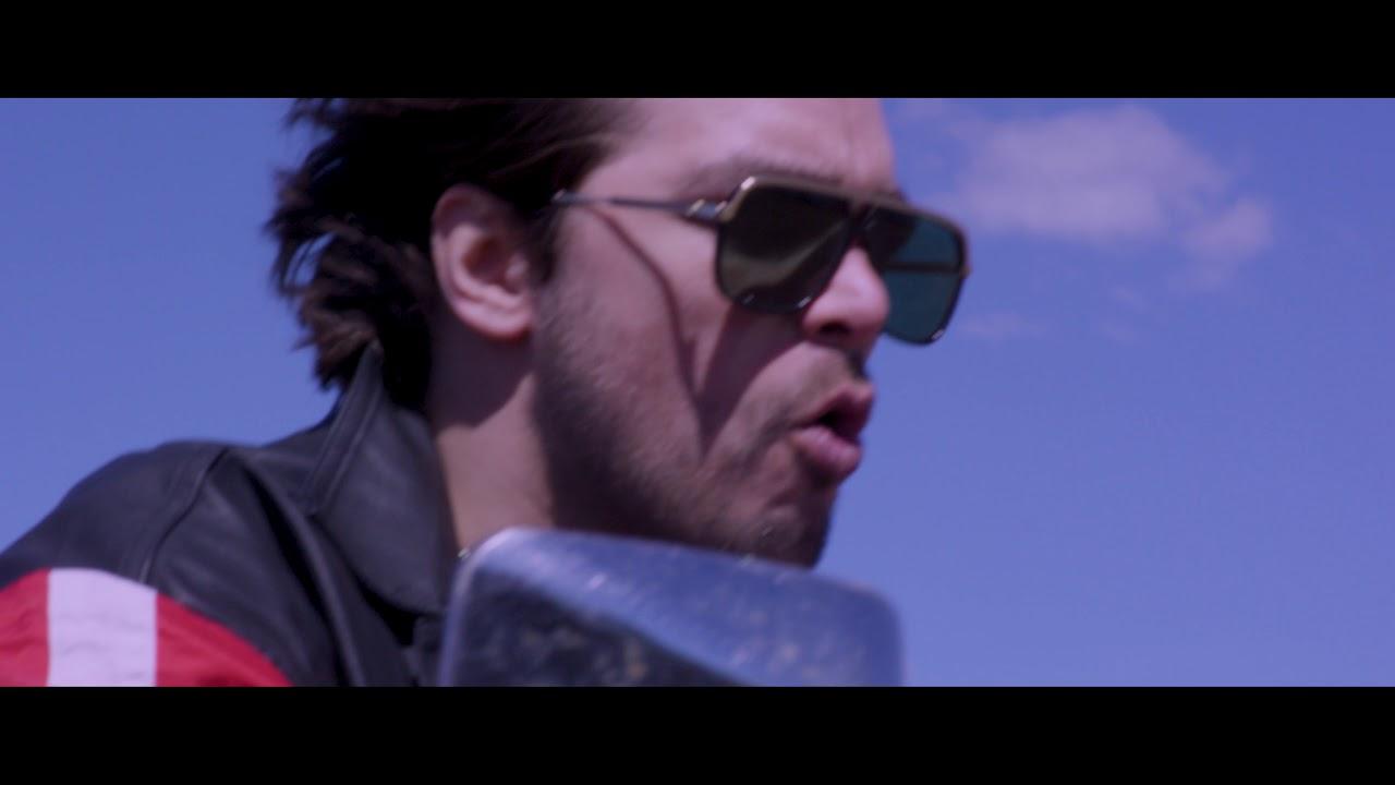 Waylon - Outlaw in 'Em