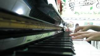 Thuong ca Tieng Viet - piano solo by Linh Nhi