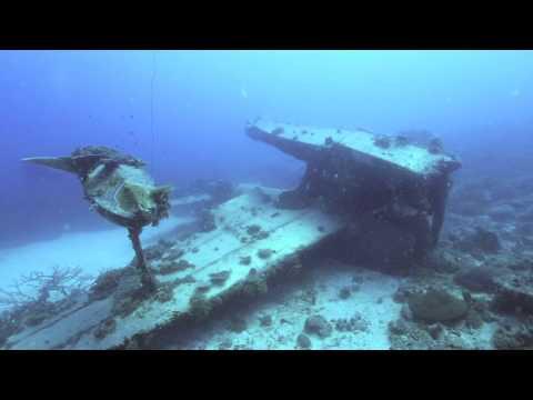 ミクロネシア連邦チューク州の海底に眠る二式水戦(二式水上戦闘機)