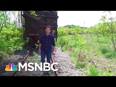 Steel Town Politics Show Pennsylvania May Swing Red | MSNBC