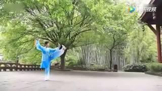 网友舞了一套42式太极剑 简直美得让人心醉!
