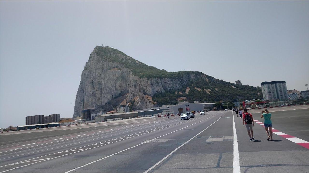 Gibraltar 🇬🇮 | Cable Car | TOP ROCK | Monkeys