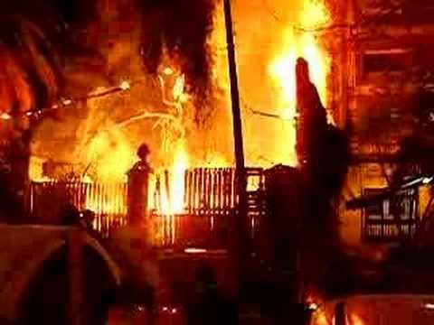 Casa quemandose youtube for Accessori x la casa