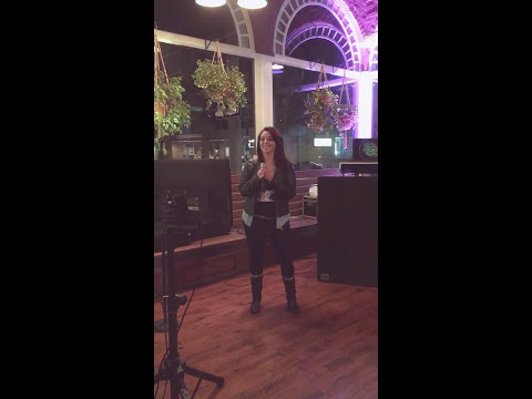 First karaoke competition Kelly Pickler Red High Heels