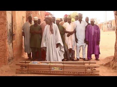 Download Daushe Sarkin Barayi Sata Wajan Sallah [ Musha Dariya ] Video