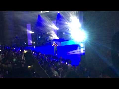 "Logic performing ""1-800-273-8255"" with his wife Jessica Andrea in LA"
