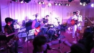 10周年ライヴ 10/51 アメリカのインスト・グループ、サファリーズに...