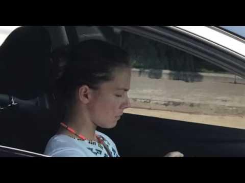 Сестру Савченко спіймали за кермом шикарного автомобіля