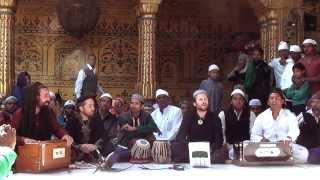 Araj Sun li - Classical at Ajmer Sharif by Tahir Faridi Qawwali & Party