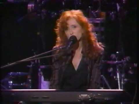 Bonnie Raitt 'Feeling of Falling' live concert performance