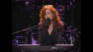 Watch Bonnie Raitt Feeling Of Falling video