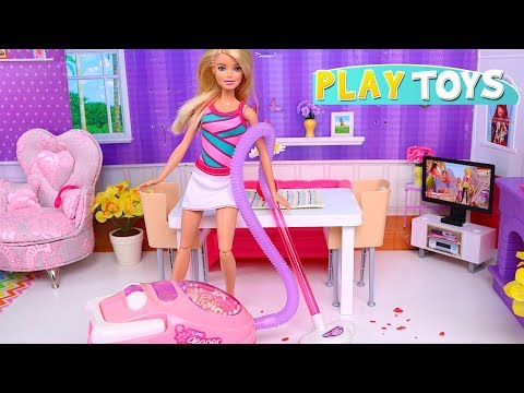 Playing Barbie Doll Morning Routine with House Cleaning Toys: Vacuum Cleaner! 🎀