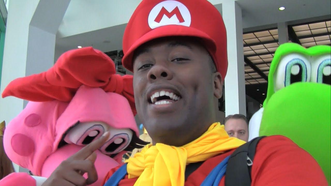 Yoshi Birdo Can T Marry Nintendo Cosplay Gathering 2011 Black