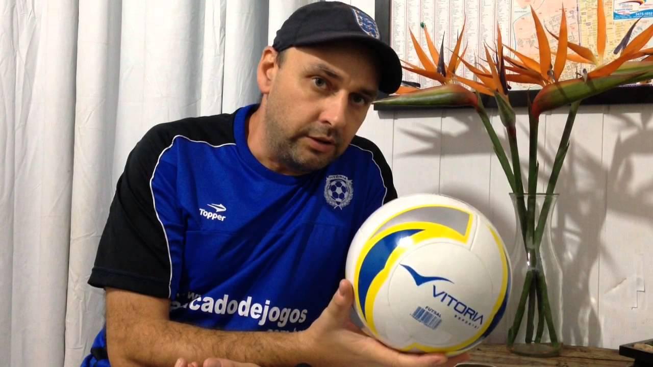 ddfc0d3fe2 Bola De Futsal Vitoria Termofusion 8 Gomos PU Oficial - YouTube