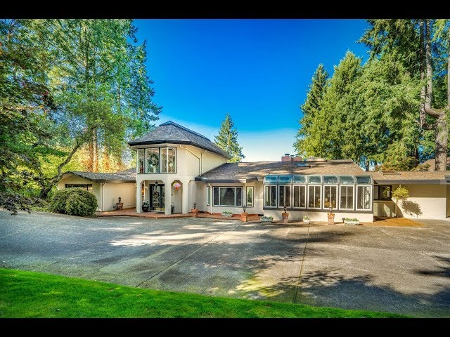 Unique Waterfront Estate in Lakewood, Washington | Sotheby's International Realty
