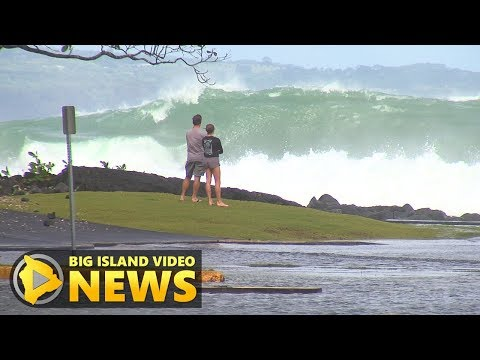 Huge Surf Closes Hilo Roads, Beaches (Nov. 23, 2017)
