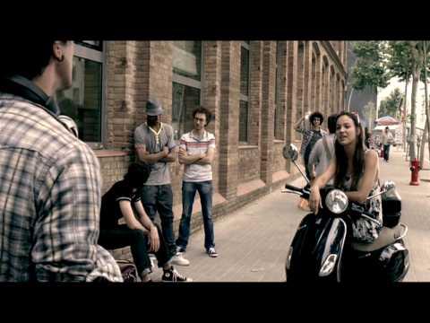 Optimus - Sony Ericsson w395 para o Optimus Alive (anúncio)