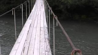 Переходной мост кладка над горной рекой !(Кладка над горной рекой =) Прикольный мост и прикольные ошущения по нему ходить. На кадре видно как мы прикал..., 2015-10-18T14:46:25.000Z)