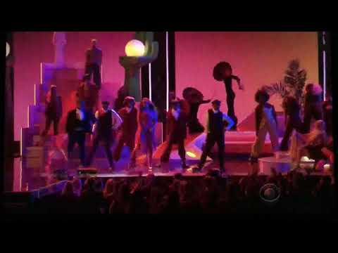 Rihanna, DJ Khalid, ft Bryson Tiller - Wild Thoughts - Grammys 2018 live performance
