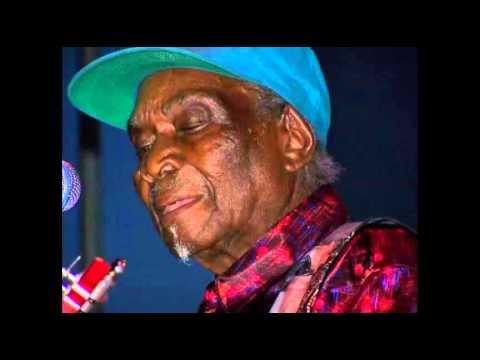 """BamFest 2007 David Honeyboy Edwards """"Catfish Blues"""""""