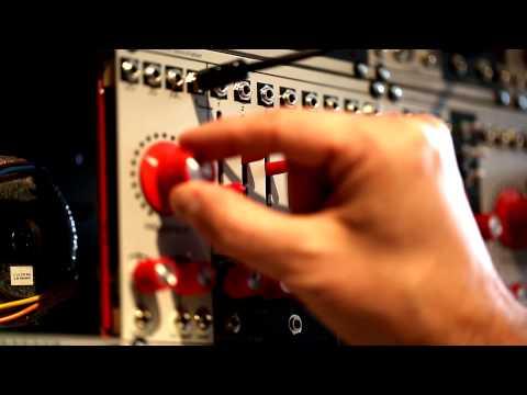 Verbos Electronics Harmonic Oscillator demo