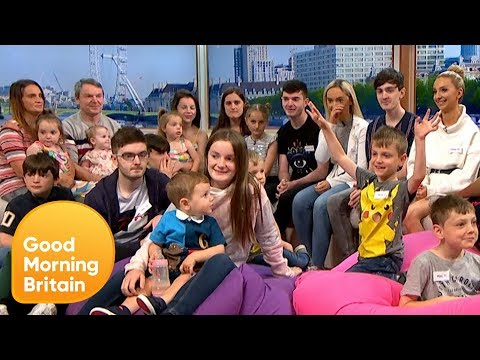 T-Bone - Britain's Biggest Family Just Adds Child Number 22!